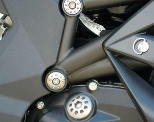 Aluminium frame plugs