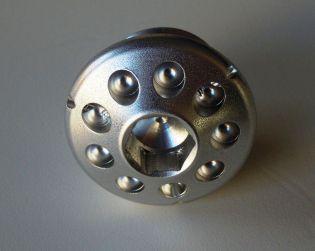 Aluminium engine oil plug