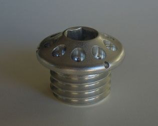 Aluminium engine oil plug