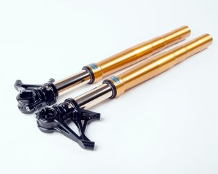 """Ohlins front forks kit with Motocorse billet caliper radial mounts """"SBK style"""", triple clamps and 53mm clip-on bars Superveloce."""